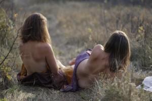 Natasha&KeriCOLOUR0125